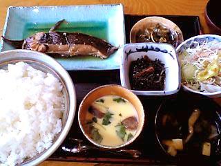 煮魚定食大森\680