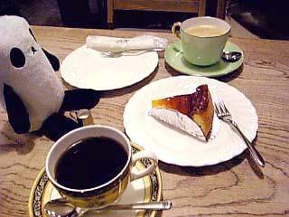 コーヒーとケーキとパンダ