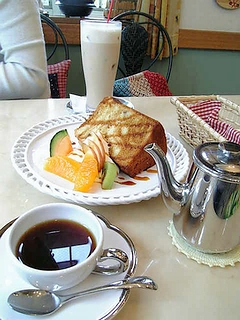 コーヒーとカフェオレとシフォンケーキ