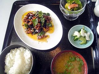 醤爆鶏丁定食\724
