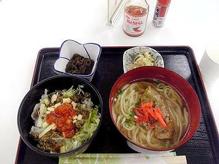 タコライス沖縄そばセット\945