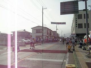 市役所前のスタート