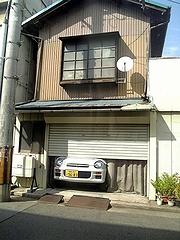 家に住んでる車