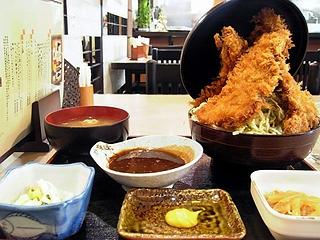 びっくりソースカツ丼\880