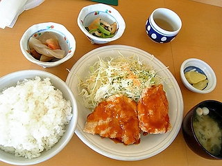 ○屋定食(日替わり)\680