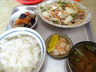 野菜モツ炒め定食