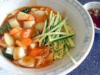 謎の麺\750