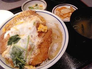 カツ丼\840