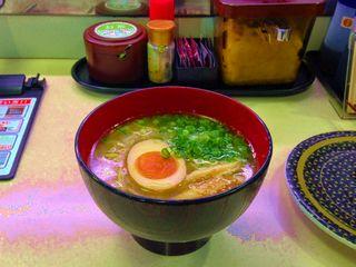 鶏塩白湯ラーメン